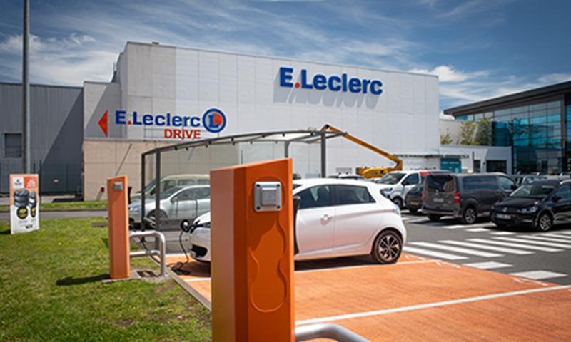 Centre Leclerc Pau Tempo - Services - Borne de rechargement électrique